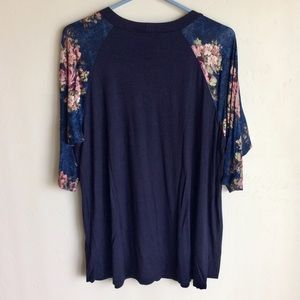 Amelia James Tops - Amelia James Blue Henley Floral Sleeves Size 3X